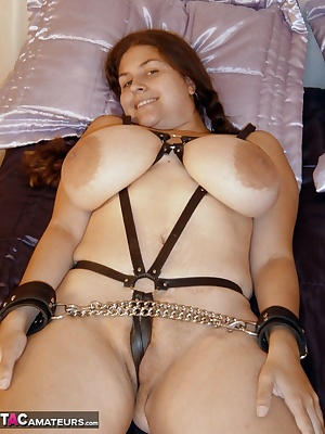 One of my long time site members got to shoot me for his own personal Denise collection. He ties me up on the bed then g