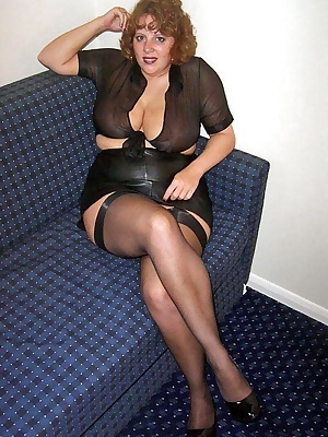 I agreed to meet up with a web site member for a fuck at a motel. All dressed up I waited for his big erect dick Claire