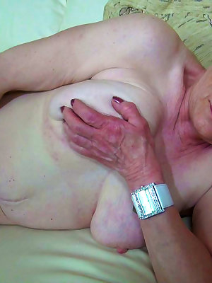 Blonde old woman fucking her hairy pussy with toy