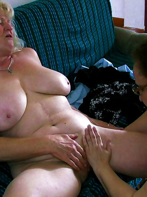 Grannies that love having fun with other girls