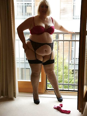 I had just arrived in Birmingham for an afternoon of shooting, I had got so warm in the sun I strippedoff as soon as I g