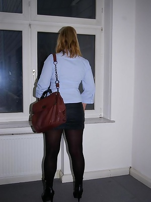 I work as a secretary in a real estate office. I wanted to show you my buisness outfit here again. I love sexy and revea