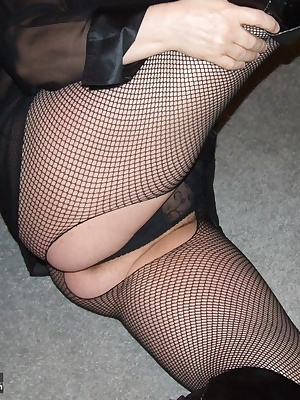 black thigh boots, bet you would like them round your neck eh   xxx