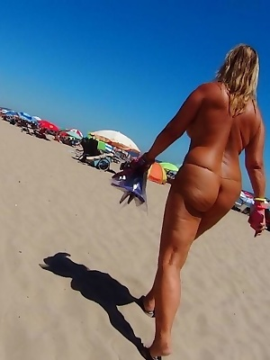 The Cap D'agde nudist-resort is the biggest resort in Europe. There I enjoy the 24-hours-nudism. You need no clothes for