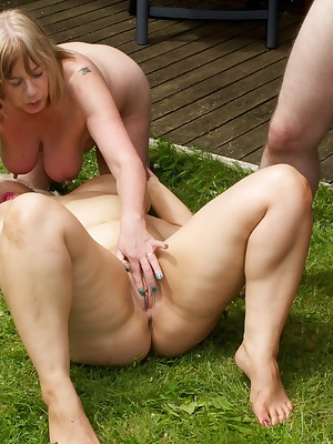 I was with my Friends Claire  Speedybee and we were naked in The Garden Teasing the Gardeners, well they soon took the B