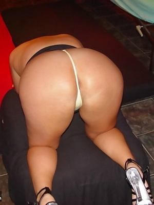Hello guys, here is my new update,come into my site and enjoy. Here my pics  from my horny big ass.