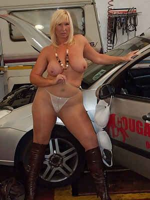 Couldn't resist doing some pics with this hire car company's name.  Wonder if they hire cars to non cougars too Melody x