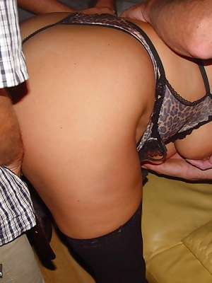 Hello guys, here is my new update,come into my site and enjoy. I go to a friend in the neighbourhood, he make a party in
