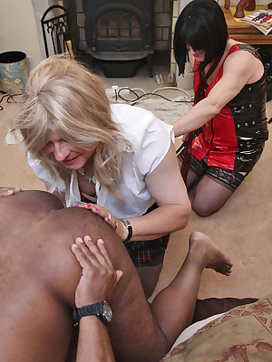 With Miss Melody on hand to sort out this hunky fella, we soon had him shooting his bolt. To coin a phrase, it just went