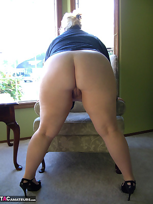 It was early Sunday morning, and when I woke up hubby was not there. I threw on his shirt from the evening before, a sex