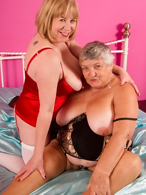 Hi Guys, I just Love it when my Good Friend Libby comes round to play, we always have a lot of fun and just cant wait to