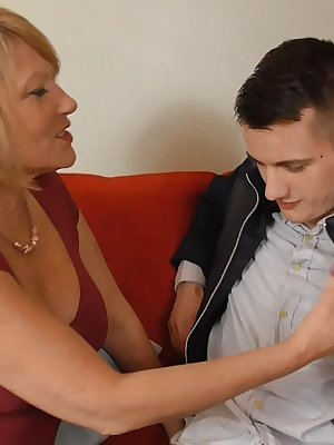 Busty old cougar matures searching for new sexual experiences loving hard cocks