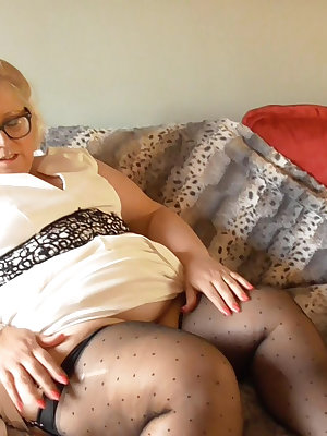 Matures and grannies have plenty of time to enjoy pleasure alone