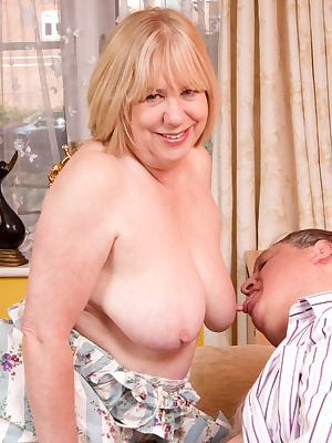 Hi Guys, Well you know Im always up for a members meet, especially when we get stuck in with a Hot  Horny Photoshoot, Th