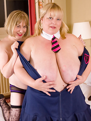 Hi Guys, Skool Girl Speedy here, I had invited Slut Kelly back to my room for some fun and it wasnt long before we got d