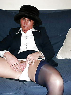 UK whore in vintage nylons