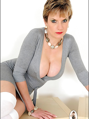 Lady Sonia: Amazing mature lady with big boobs