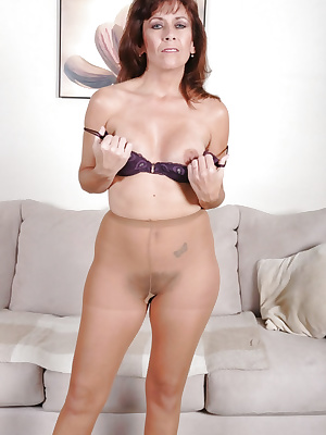 Mommy in pantyhose strips