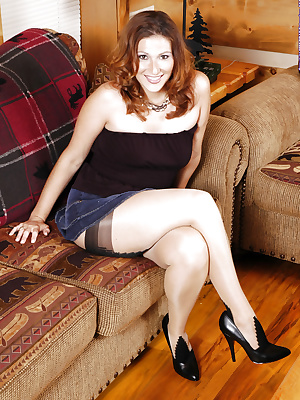 Chubby MILF in patterned pantyhose