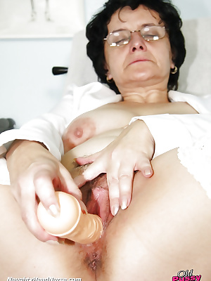 Mature nurse masturbation on gynochair