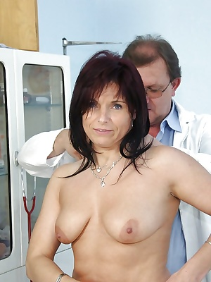 Busty Mature in stockings gets the pussy exam of her life at the Gyno