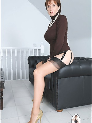 Lady Sonia: Mature woman shows off her assets