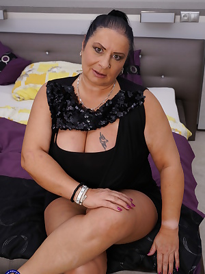 Big breasted BBW playing with her horny lover