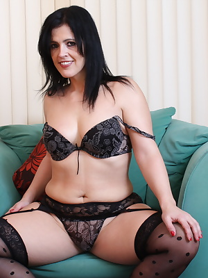 Hot British mom taking off her clothes and getting naughty