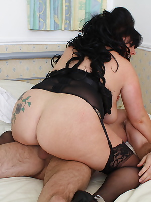 Chubby British housewife fucking hard and long