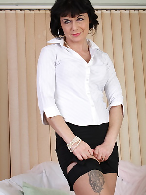kinky mature lady spreading everything for you