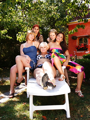 These five old and young lesbians go wild
