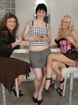 Three naughty old and young lesbians go down