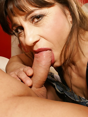 This horny mama gets her daily creampie