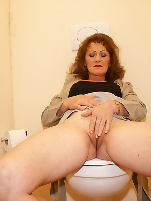 This horny mature mama loves a cock through a hole