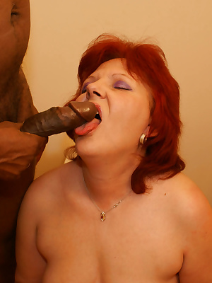 mama loves to suck and fuck through the gloryhole